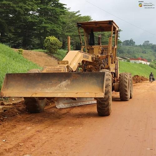 Infrastructures: travaux d'aménagement de la voirie urbaine d'Eseka en cours