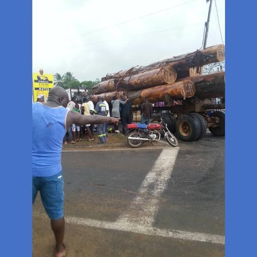 Carrefour Kribi à Edea – Accident grave ce samedi 14 mars 2020